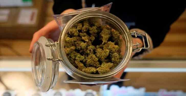 Legal cannabis industry sees record sales as customers facing coronavirus crisis stock up