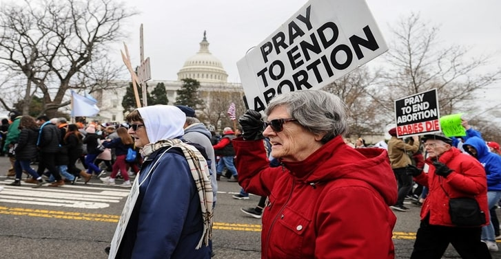Federal judge blocks part of Tennessee 'heartbeat' abortion law
